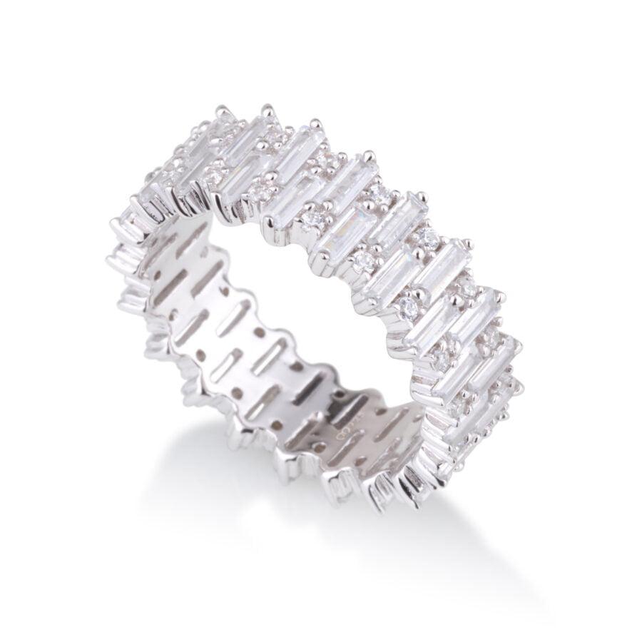 טבעת זרקונים באגטים